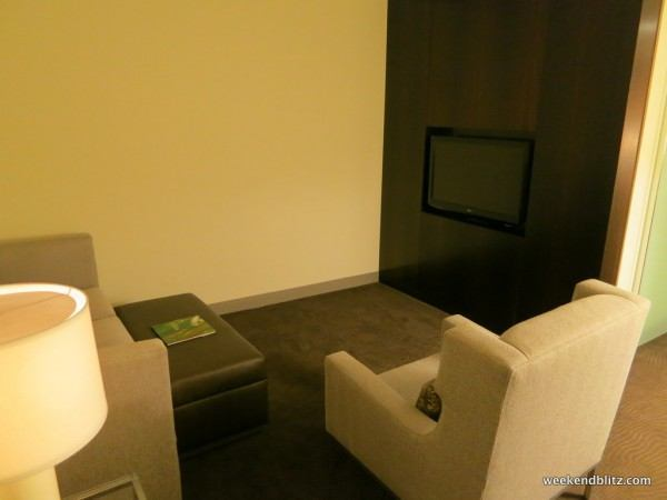 Junior Suite: Living Room/Sitting Area