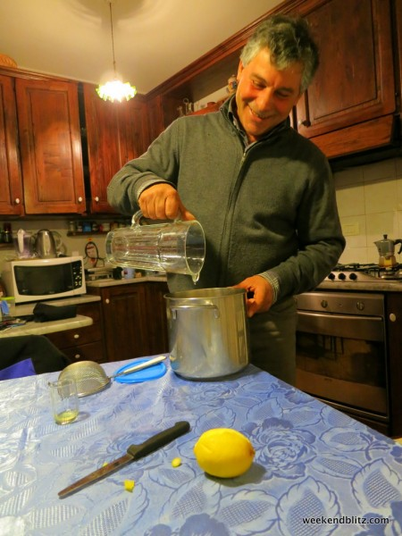 Here's my host dad, Leonardo, teaching us how to make limoncello... a very delicious after-dinner drink