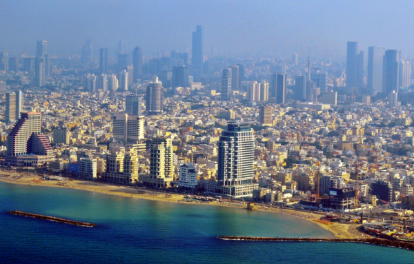 Source: http://upload.wikimedia.org/wikipedia/commons/0/03/Tel_Aviv_Promenade_Aerial_View_(cropped).jpg