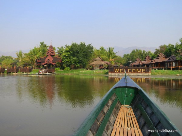 Arriving to Inle Resort by boat